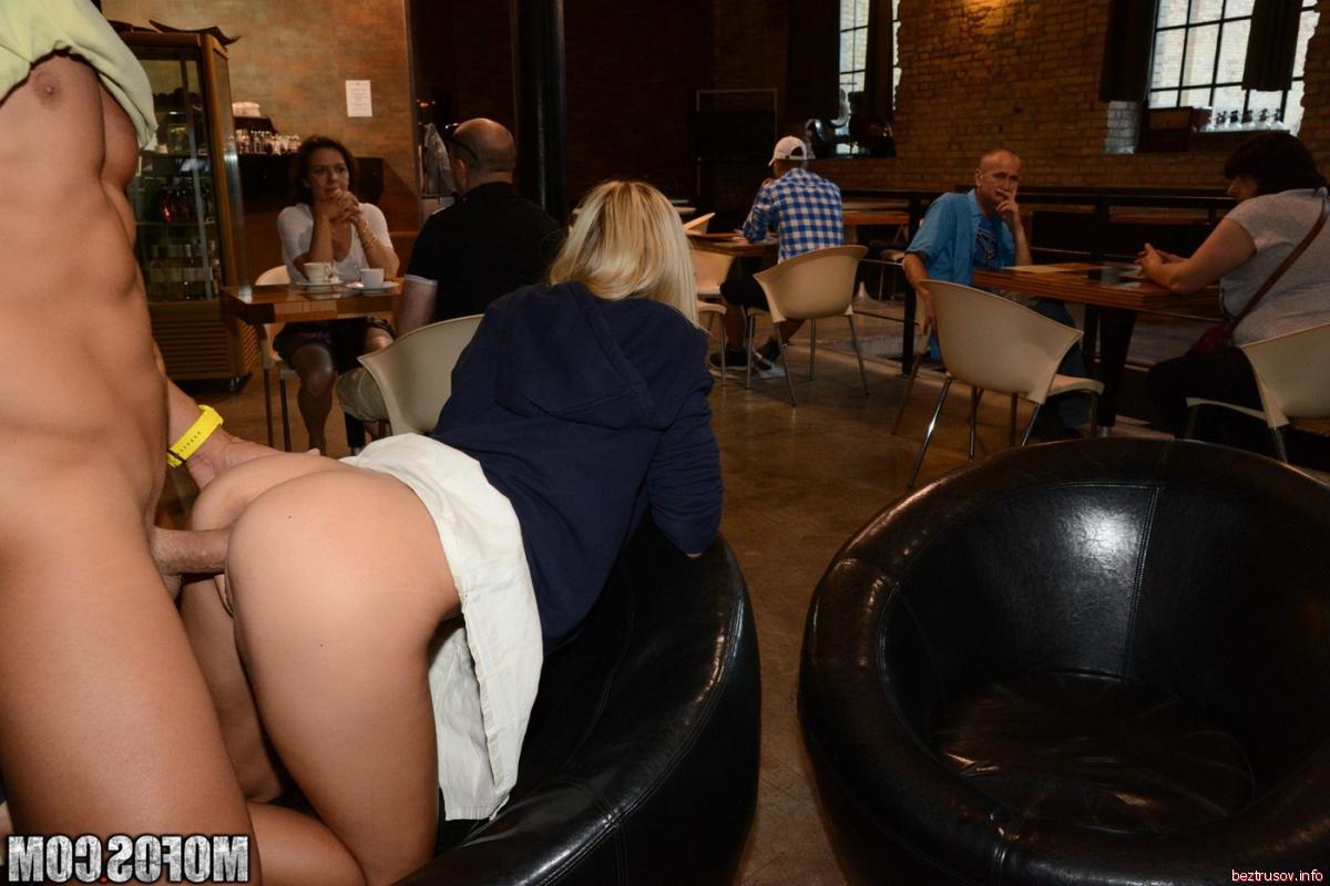 Видео секс в ресторане