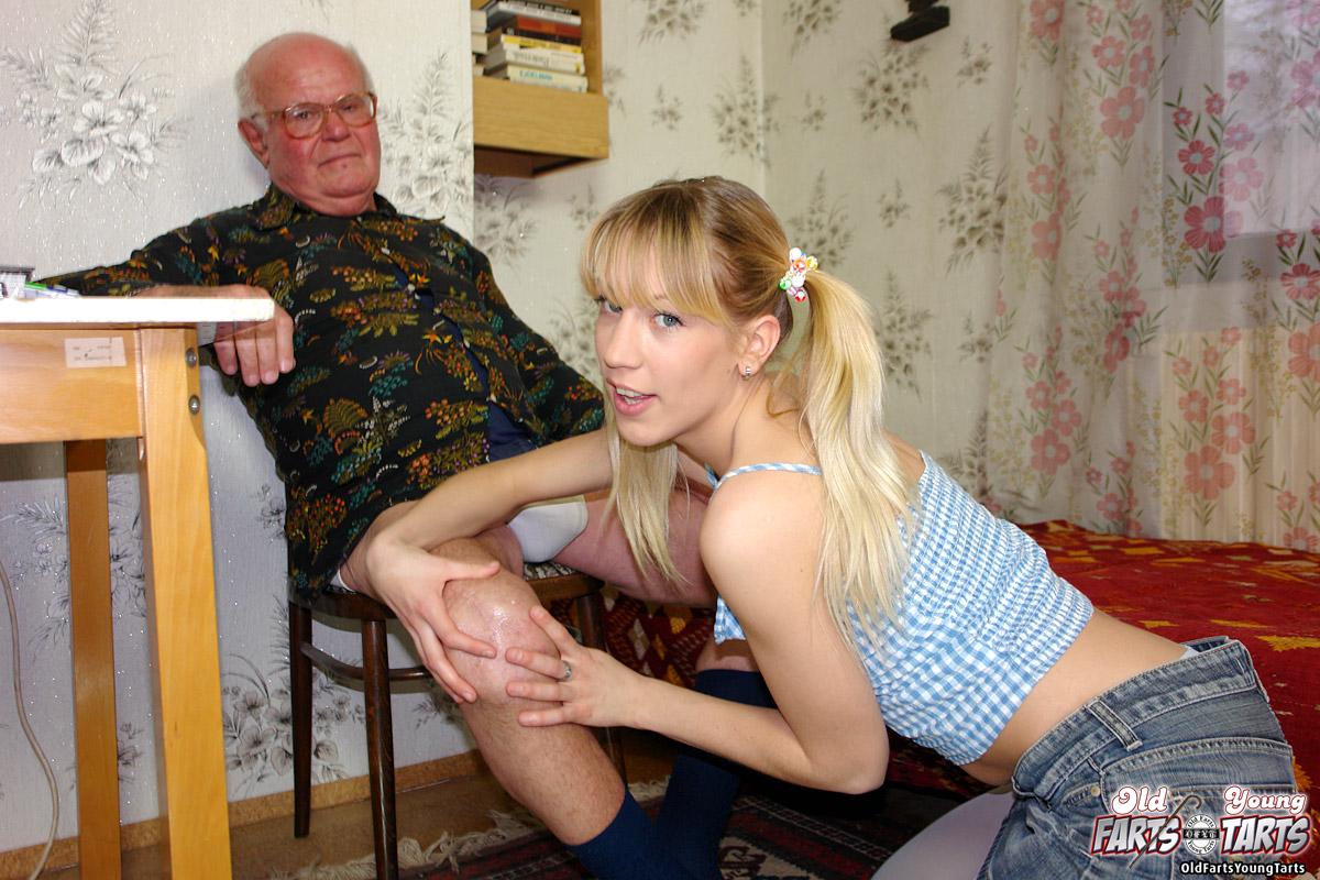 Внучка отсосала у старого деда фото просмотр бесплатно фото 108-332