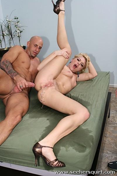 Сексуальная красотка в оргазм фото ебётся голая сверху