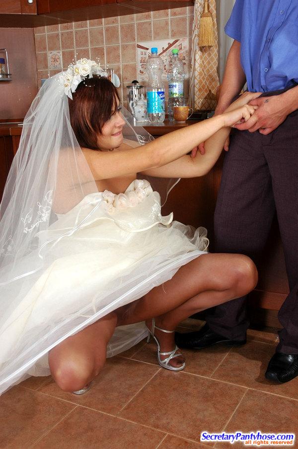 Порно невесты у чужих мушин сосут