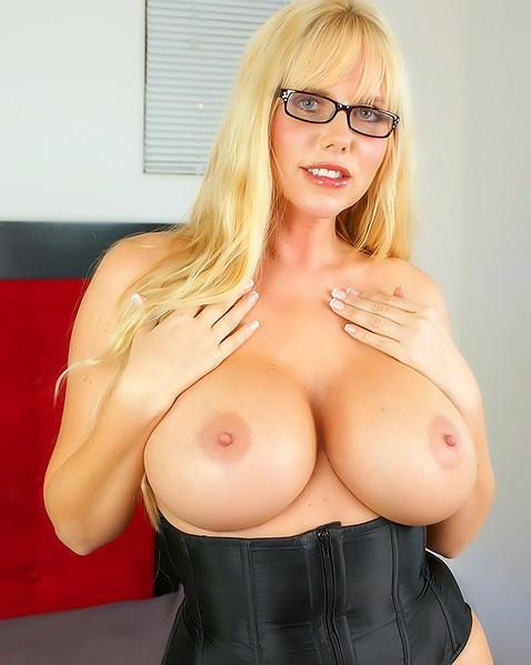 Красавицы блондинки порно сисястые