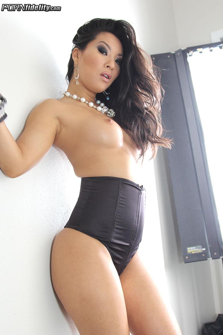 Секс со стройной азиаткой