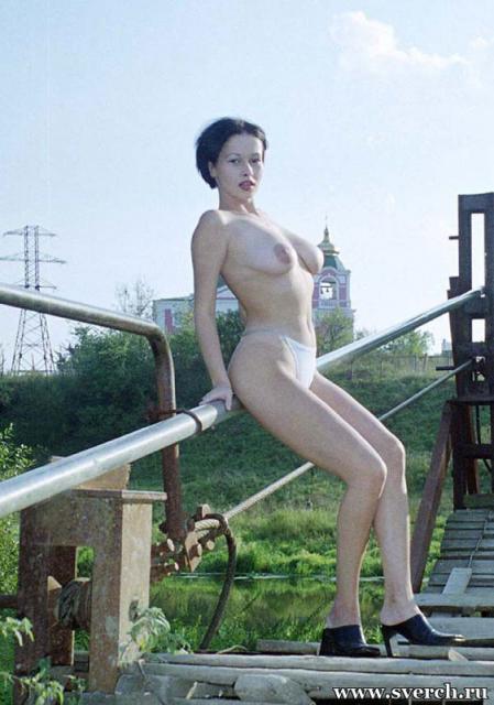 Ххх видео голые девушки в публичных местах фото 632-369