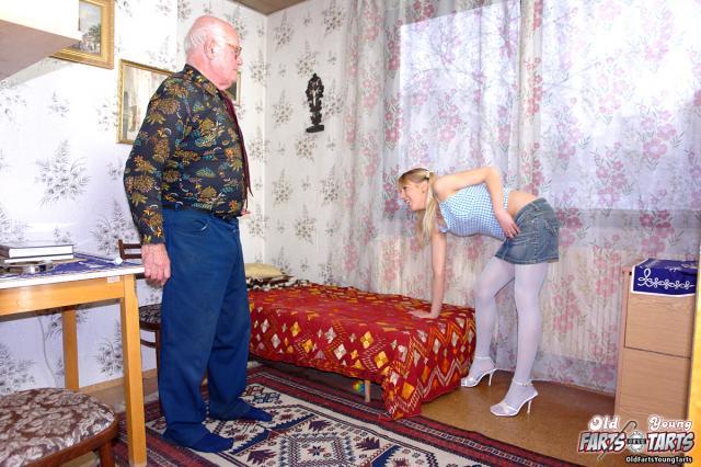 Инцест молодой внучки с косичками с дедом