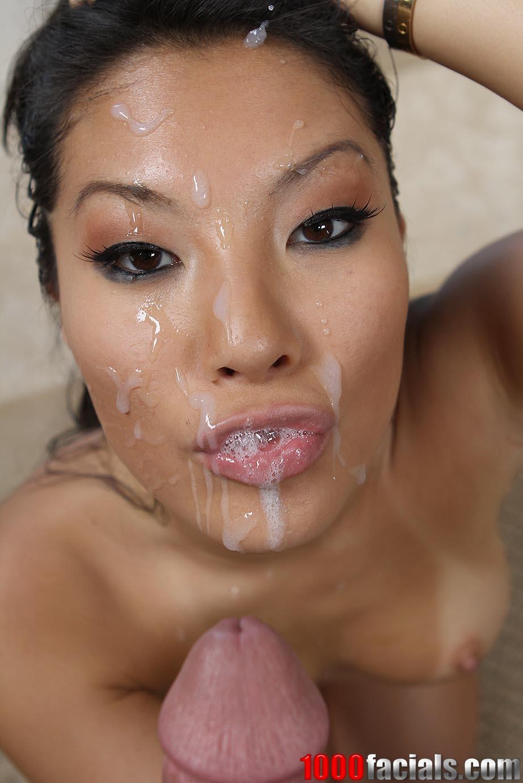 азиатка высосала сперму