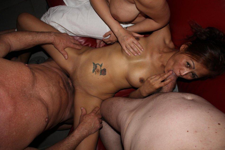 Порно фото свингеры домашняя групповуха