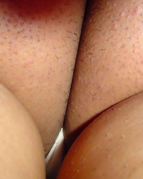 Подсматривания под юбки крупным планом стройным девчонкам
