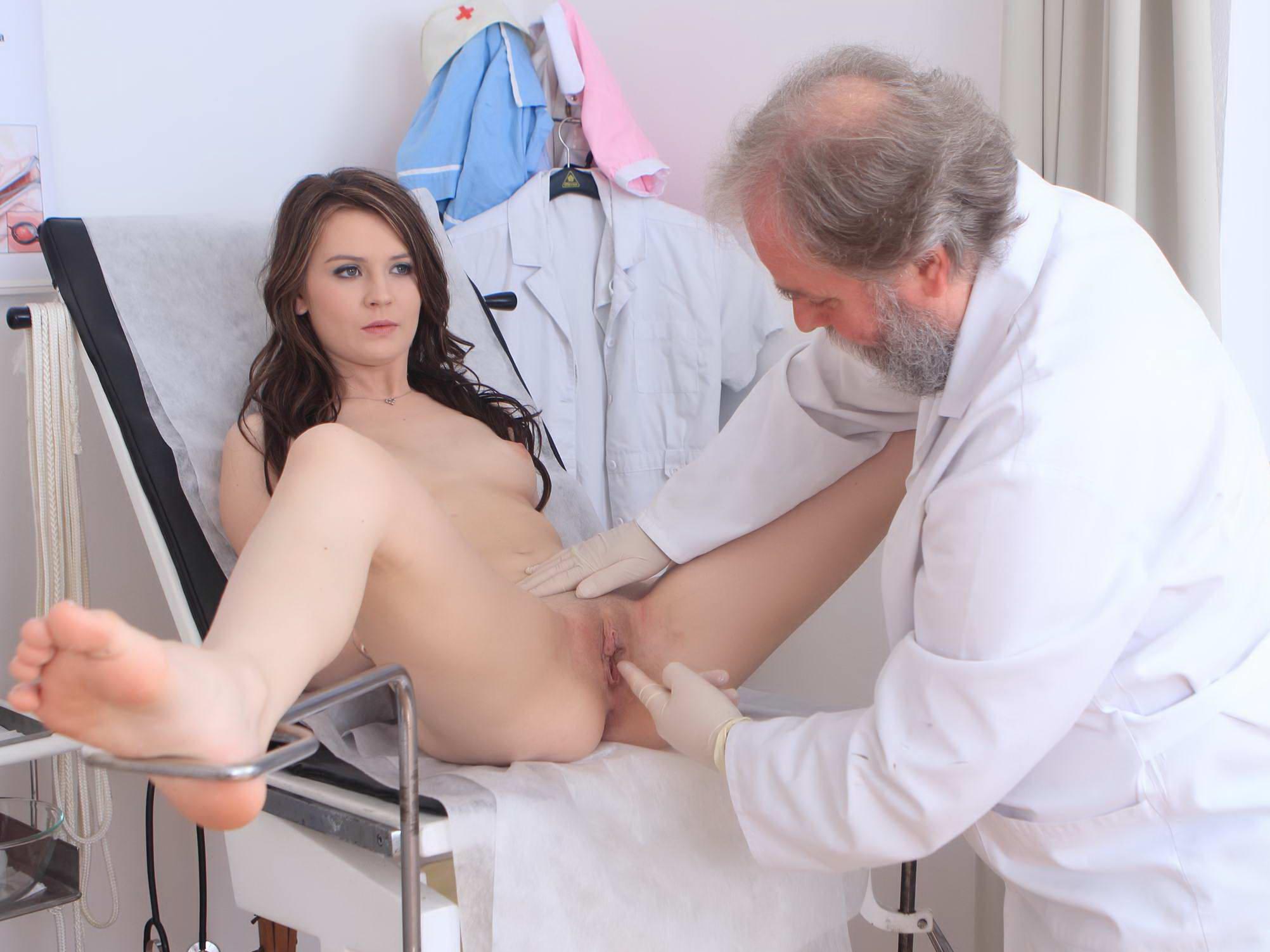 порно рассказ молодая девушка врач