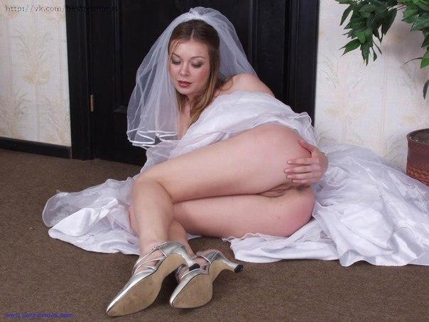 Сексуальные невесты с влажными кисками устроили секс на свадьбе