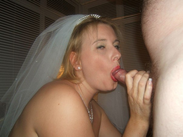 Развратные леди с привлекательными письками кончили от секса на свадьбе