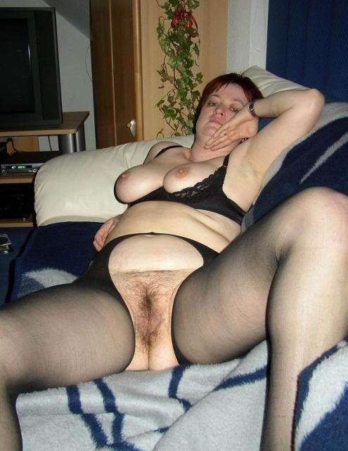 Порно фото домохозяйки в трусах фото 505-658