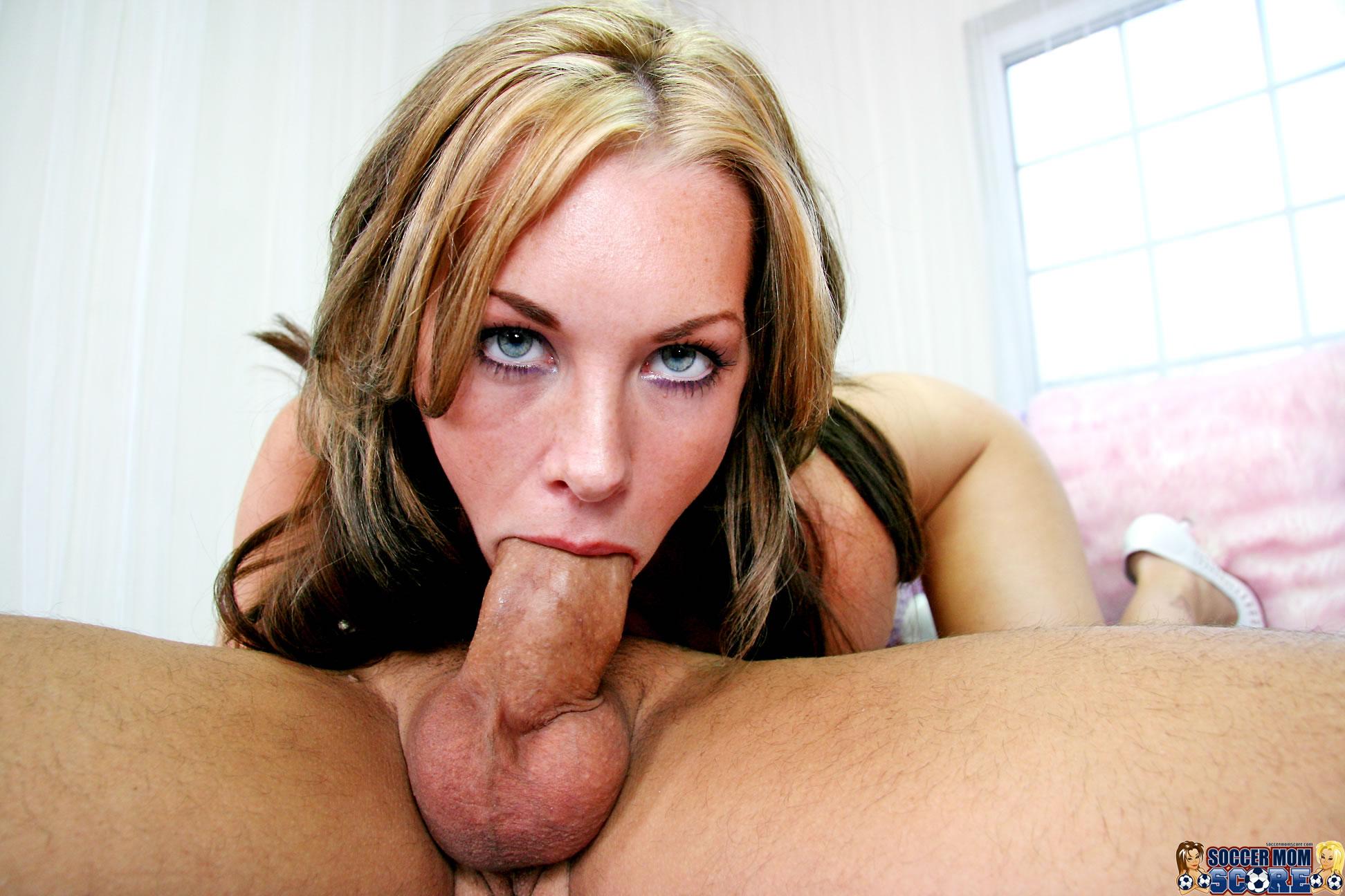 Busty wife blowjob