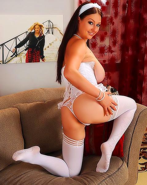 Порно фото накрашеных толстух на коблуках и в чулках