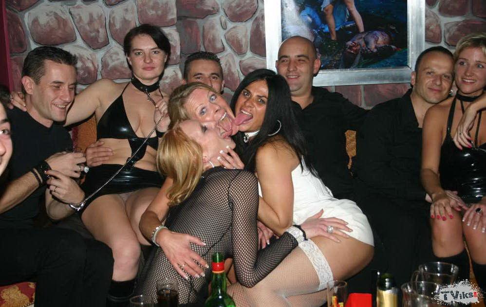ю тьюб порно после застолья фото свингерских вечеринок в россии